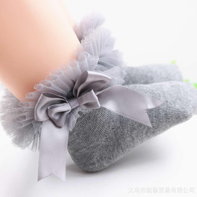 Gray big lace