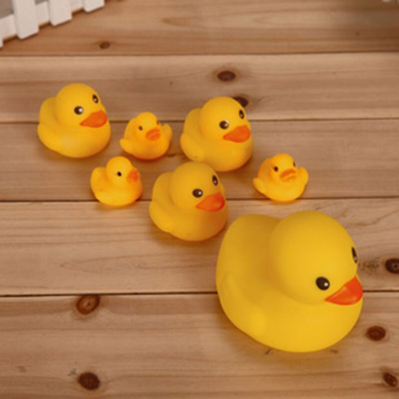4Pcs Classic Baby Play Small Yellow Duck Bath Toy Children's Rubber Doll Summer Bathroom Necessities Swimming Pool Toys