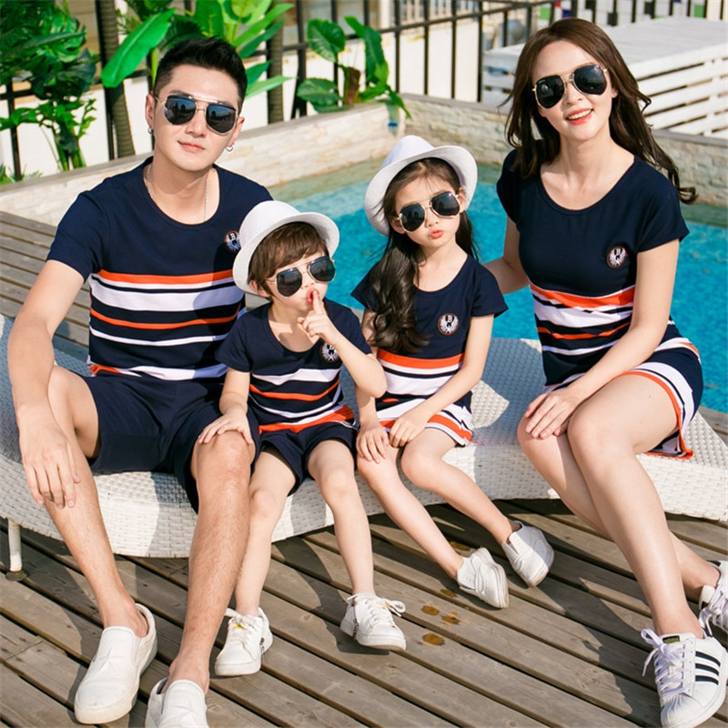 2020 Family Look Dress Mother Daughter Clothes Summer Fashion Striped T-shirt Matching Outfits Father Son Baby Boy Girl Clothing