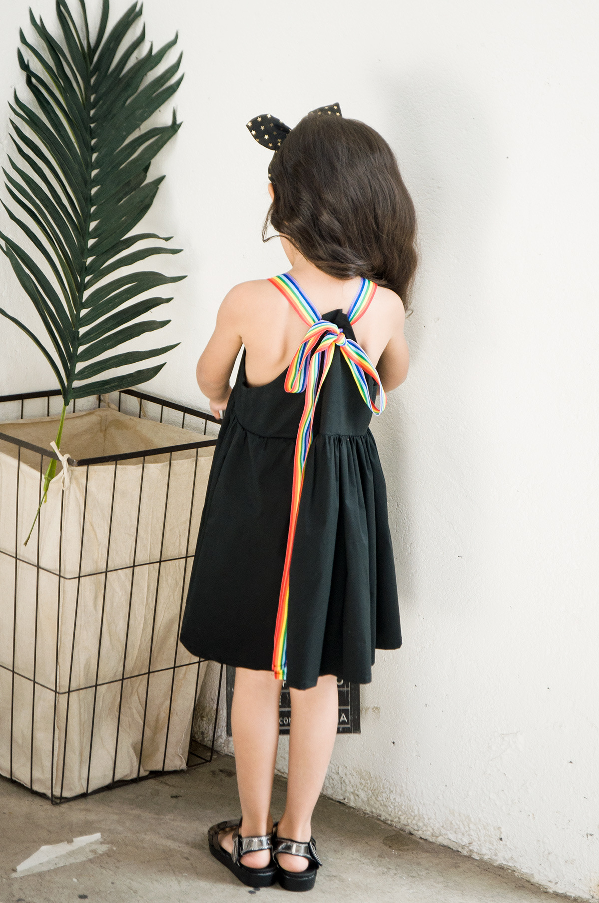2020 New Arrival Children Clothing Girls Rainbow Strap Simply Black Cotton Dress Lovely Casual Kids Summer Dress