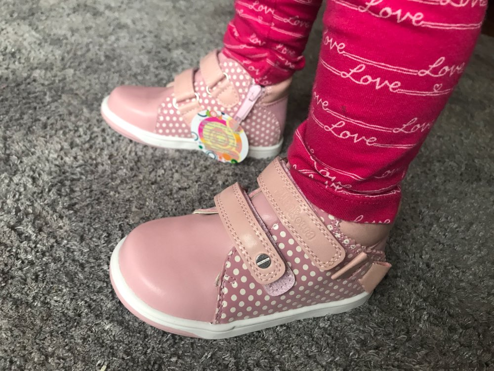 Apakowa Girls Shoes Spring Autumn Pu Leather Children's Shoes with Zip Anti-Slip Kids Lovely Sneaker for Toddler Girls Eur 20-25