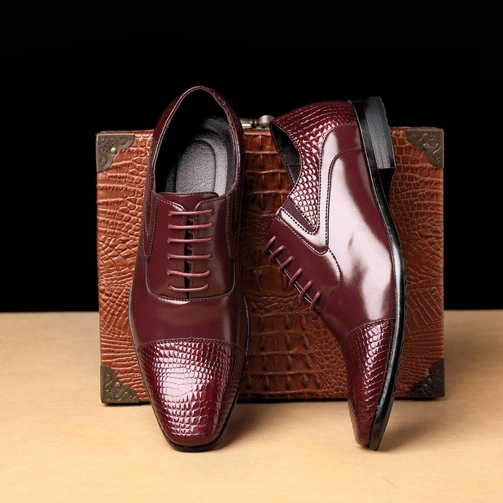 Men Formal Shoes 2019 Autumn & Winter Brand Wedding Dress Shoes Men New Embossing shoes Black Fashion Design Leather Men's Shoes