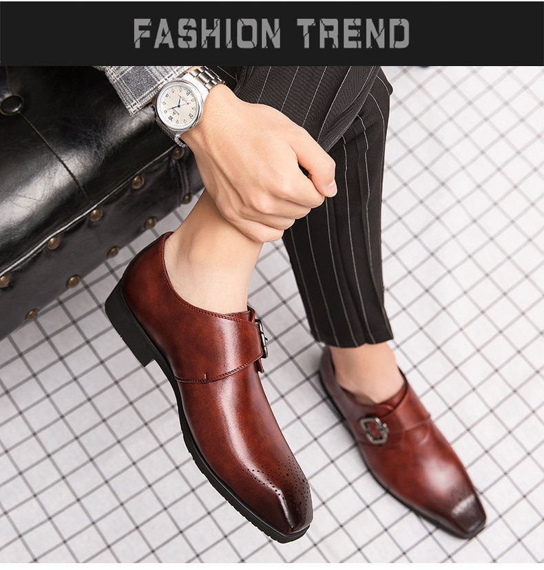 2020 New Business Pointed Flat Shoes Men Designer Formal Dress Carved Leather Shoes Men's Loafers Festival Party Wedding Shoes