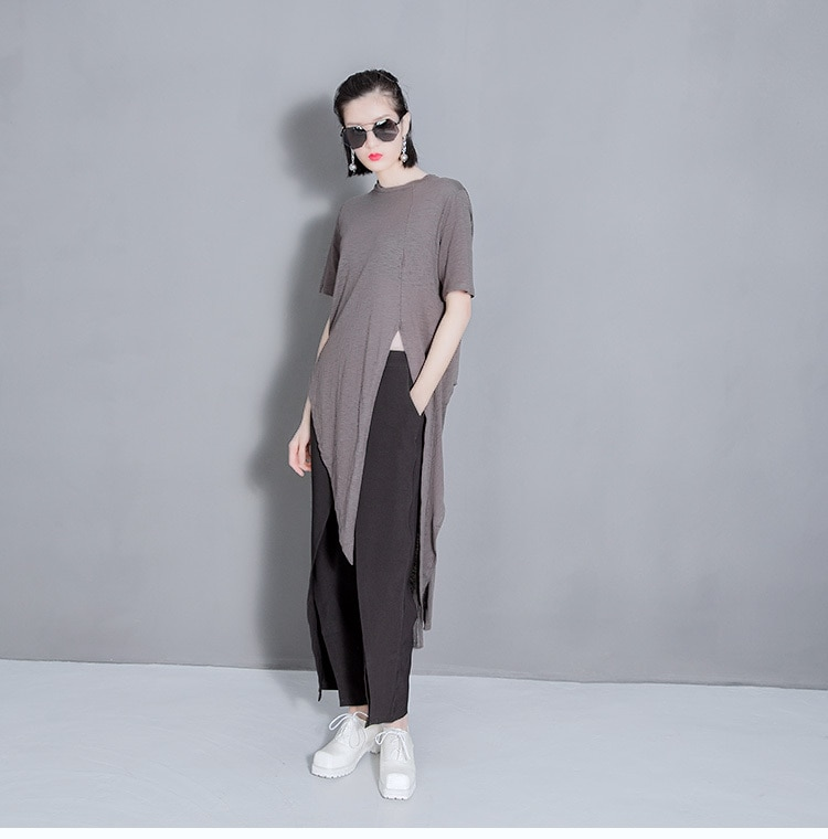 [EAM] Women White Solid Color Asymmetrical Vent Long T-shirt New Round Neck Short Sleeve  Fashion Tide  Spring Summer 2021 T298