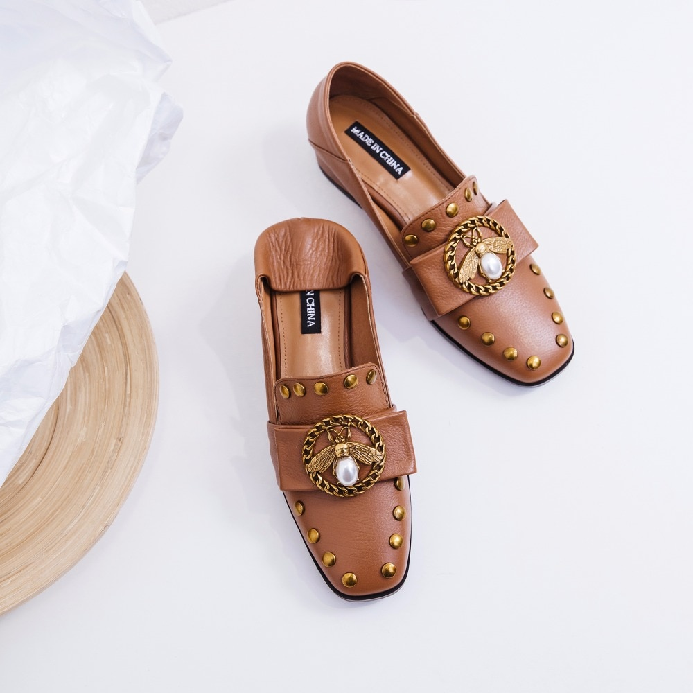 Women's genuine leather bee flats loafers brand designer chain rivet leisure moccasins square toe comfortable shoes plus size