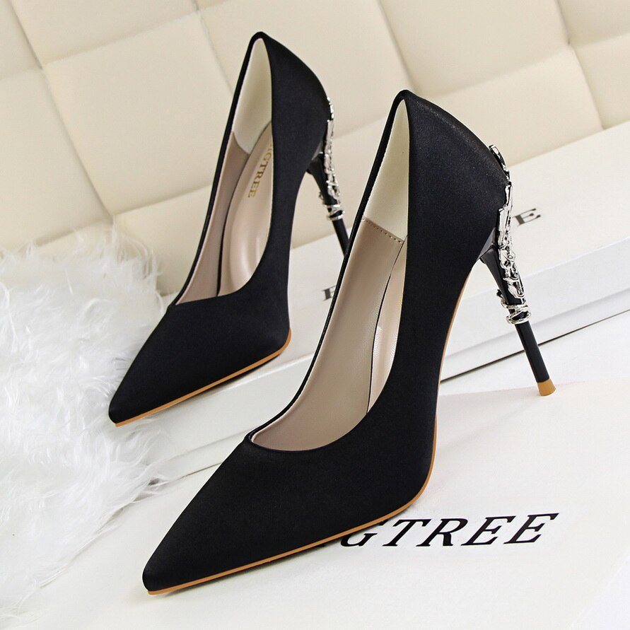 2021 Metal Carving High Heels Shoes Woman Pointed Toe Silk Pumps Formal Party Wedding Satin Scarpin Lady Green Yellow Blue Shoes