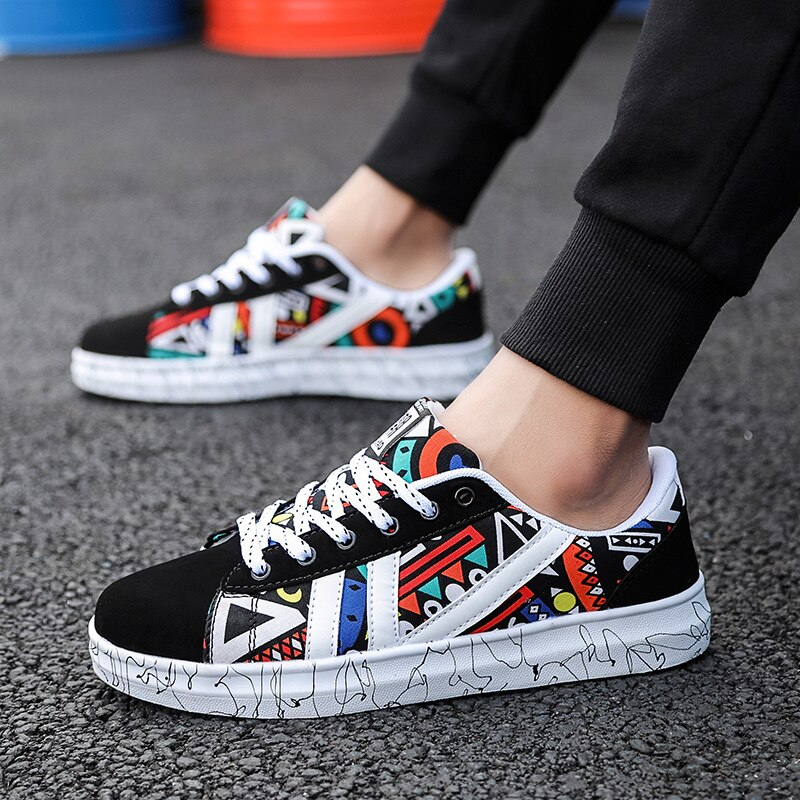 2020 Fashion Light Glitter Sneakers Women Summer Ladies Casual Shoes Breathable Mesh Flats Female Gold Black Sneakers Platform